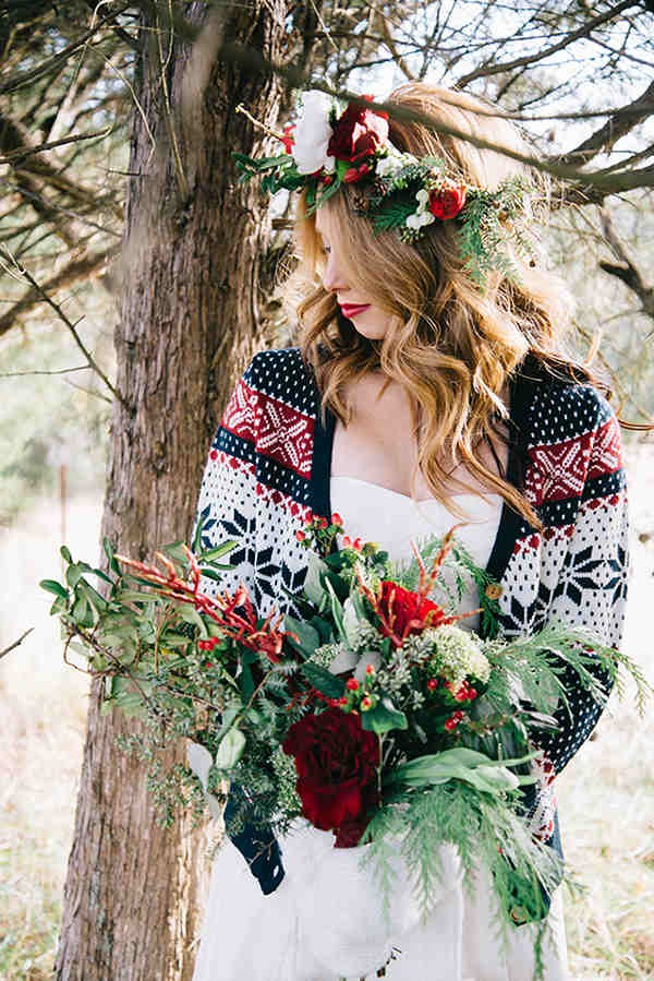 1-festive-styled-wedding-winter-woods-corgi-holiday-sweater