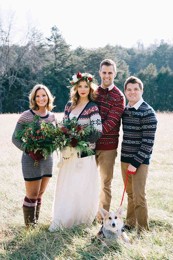7-festive-styled-wedding-winter-woods-corgi-holiday-sweater