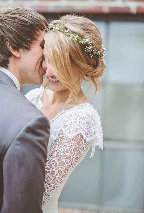 flower-crowns-floral-crowns-wedding-hairstyle-ideas-babys-breath-flower-crown