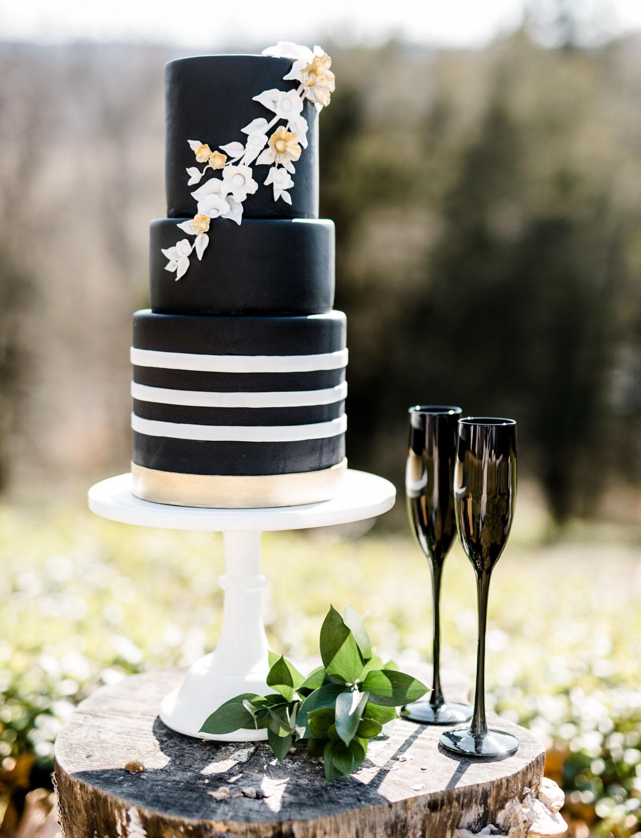 Black and white wedding cake wedding in poland black and white wedding junglespirit Gallery