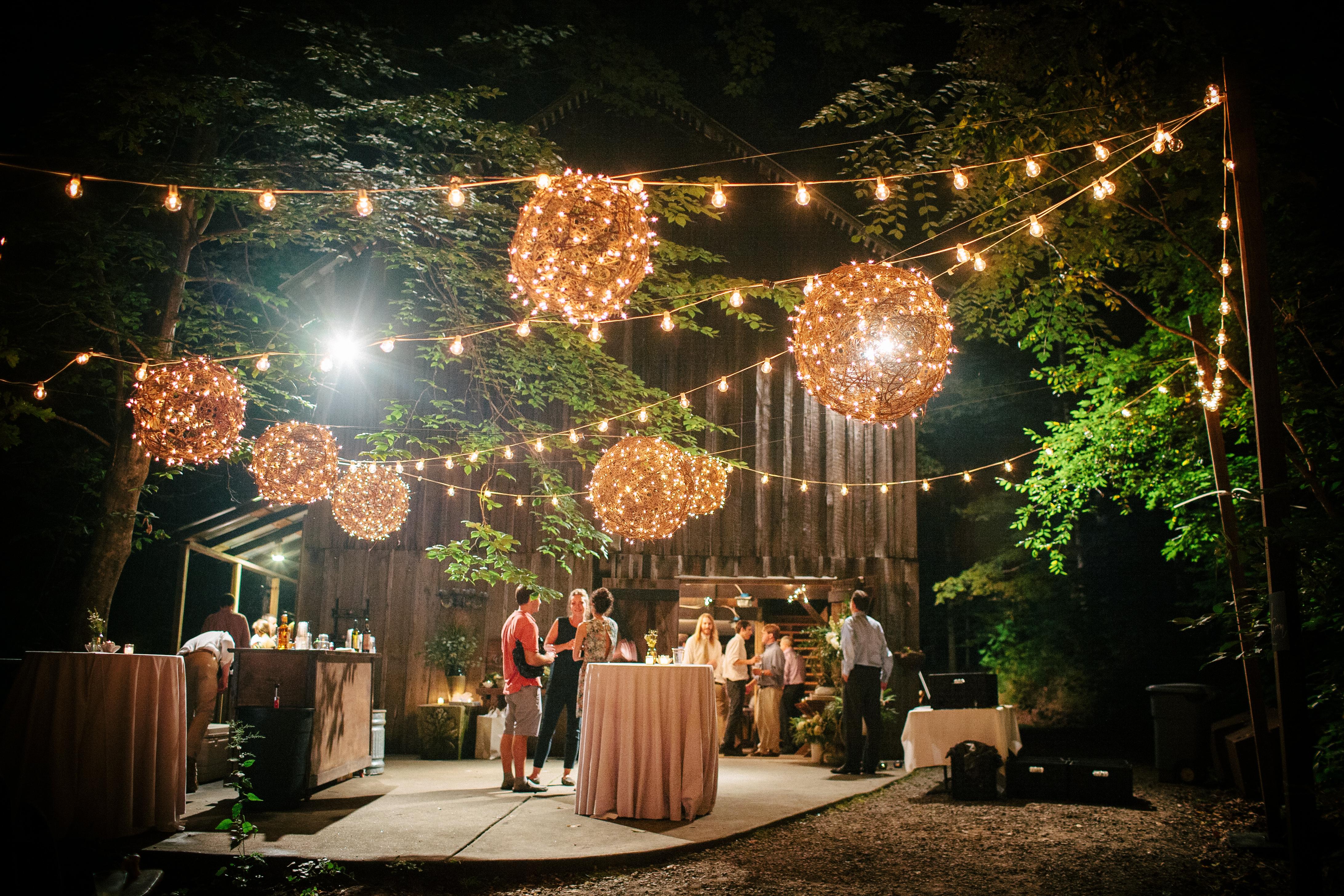 Boathouse In Warsaw Makes Urban Boho Wedding Possible