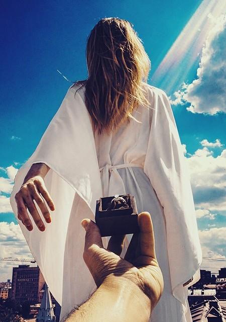 Follow me to – photos that lead to the wedding