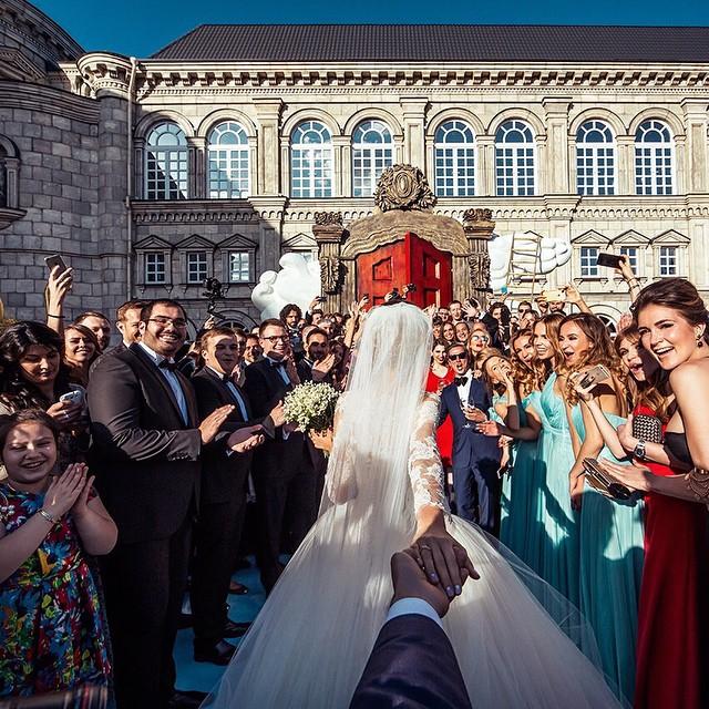 wedding-photos-follow-me-to-couple-murad-osmann-natalia-zakharova-4